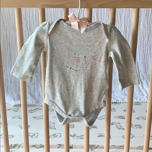 Baby GAP bodysuit with pink cat graphic print